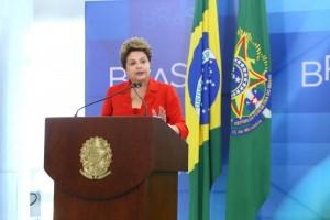 Presidenta Dilma Rousseff durante sanção do supersimples