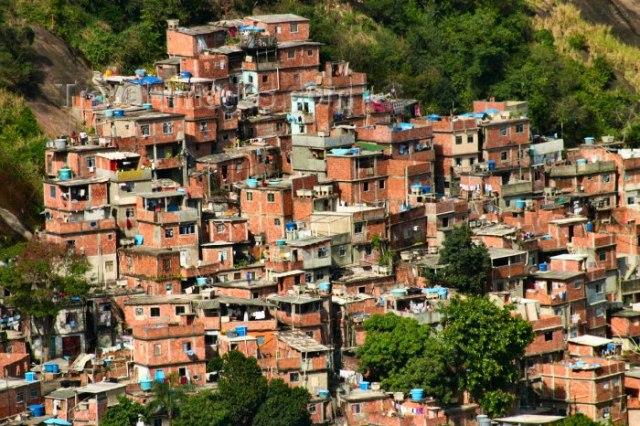Resultado de imagem para favela feia rio de janeiro
