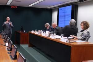Presidente Haroldo Pinheiro apresenta propostas do CAU/BR para a nova Lei de Licitações (Foto: Maysa Rodrigues)